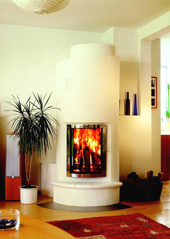 Biofire-Kamin-im-Wohnzimmer-mit-Panorama-Scheibe