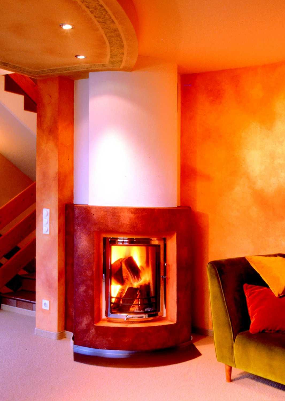 Biofire-Rundkamin-in-warmen-Farben